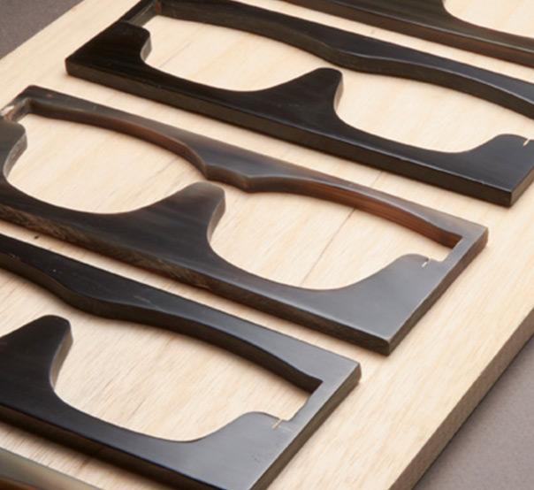 Horntavler til udskæring af hornbrille